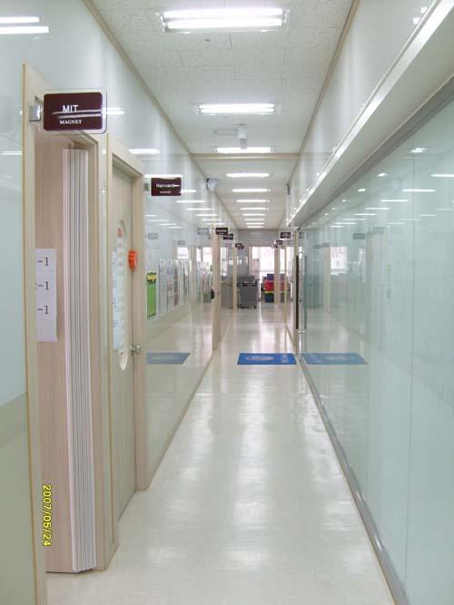 Hall Way 사진